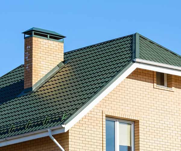 Строительство и ремонт полувальмовой крыши