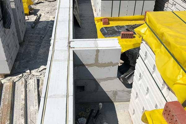 Армирование стен из твинблока