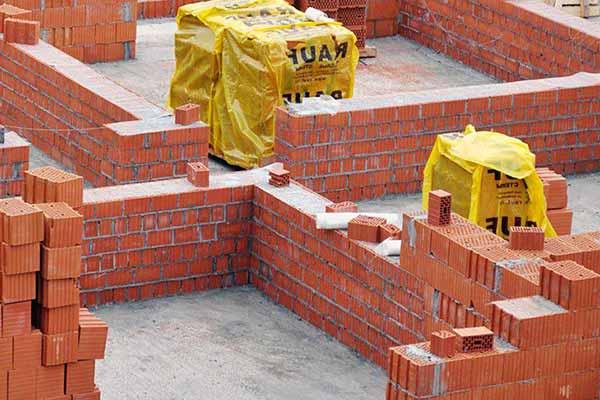 Этап строительства стен из керамического блока