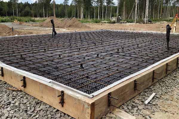 Строим фундамент под дом из керамоблоков