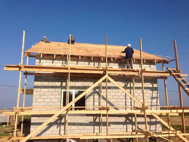 Строительство крыши дома из теплоблока