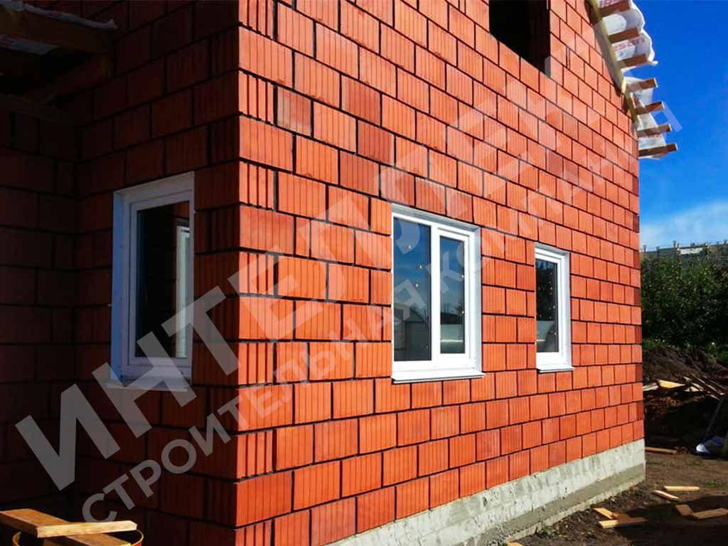 Вид готовой стены дома из керамоблока