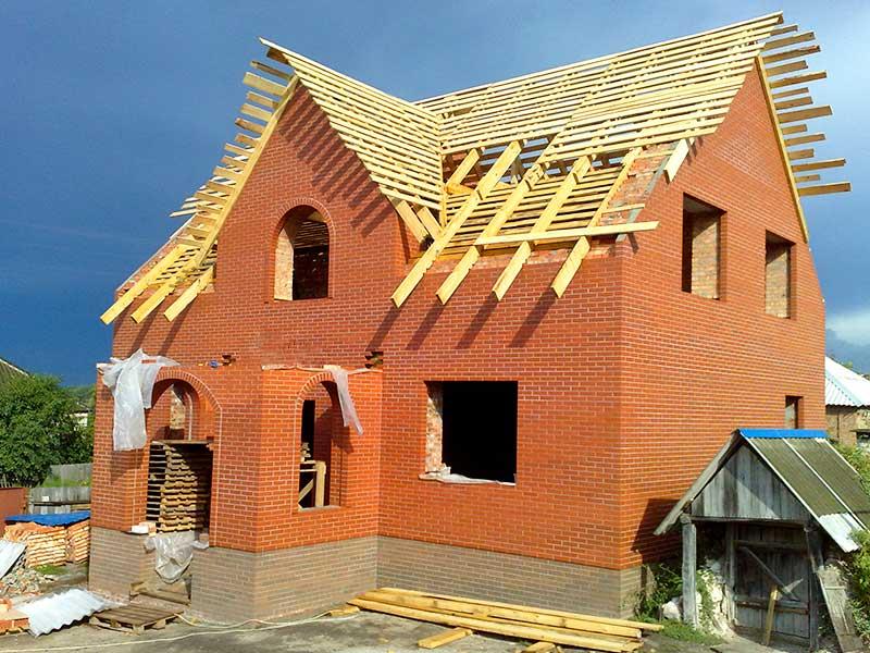 Строительство крыши кирпичного дома
