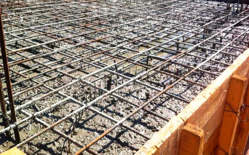 Обустройство участка и строительство фундамента под дом из кирпича 10 на 10