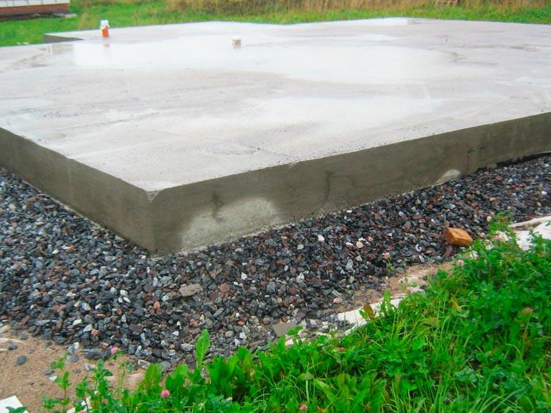 Плавающий фундамент типа монолитная плита