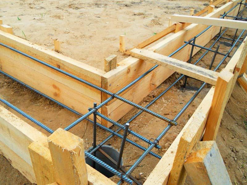 Пример строительства свайно-ростверкового ленточного фундамента