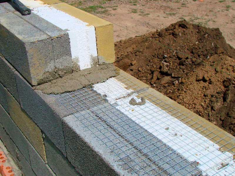 Строительство стен дома из теплоблока