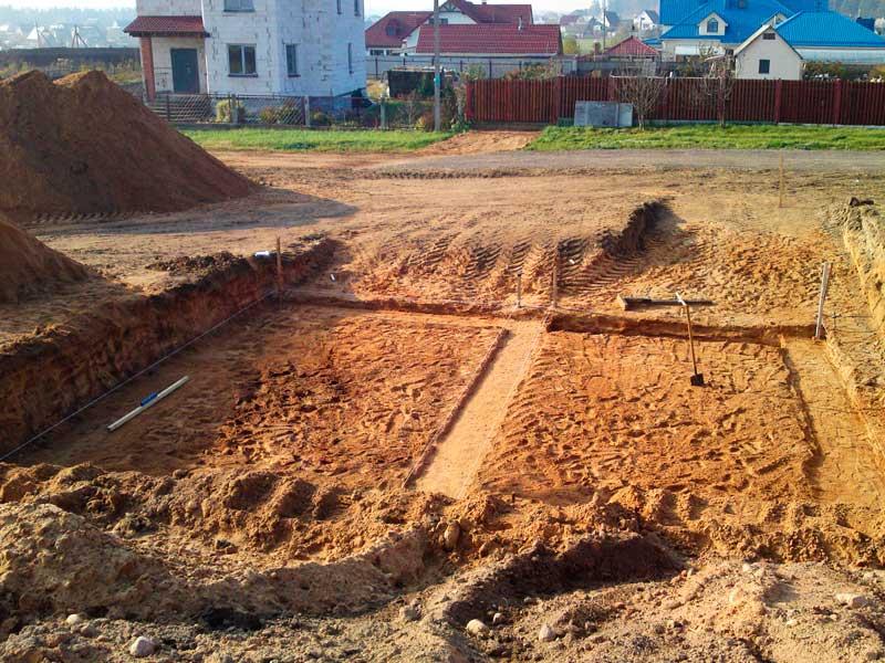 Земляные работы на участке под строительство УШП фундамента