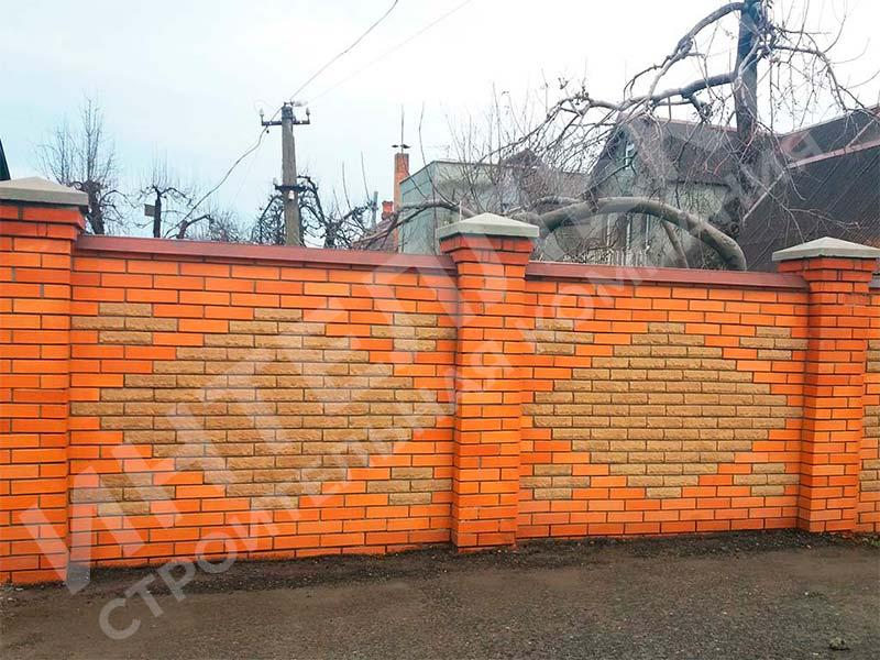 Кирпичный забор - пример работы готового забора номер 1